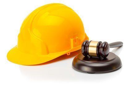 Wypadek w miejscu pracy – kto odpowiada za szkodę?