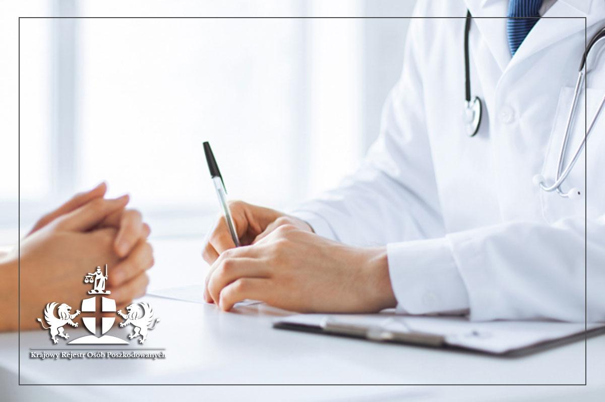 Karty informacyjnej z leczenia szpitalnego, a błąd medyczny